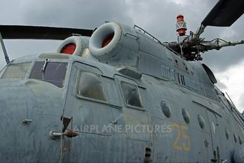 25 - Russia - Air Force Mil Mi-6A