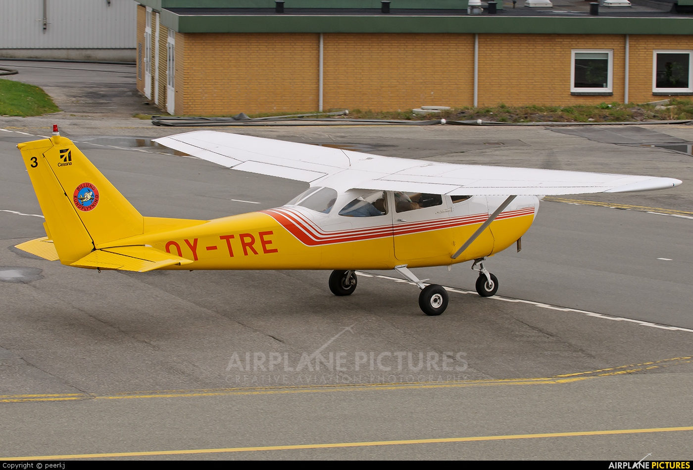 Private OY-TRE aircraft at Billund