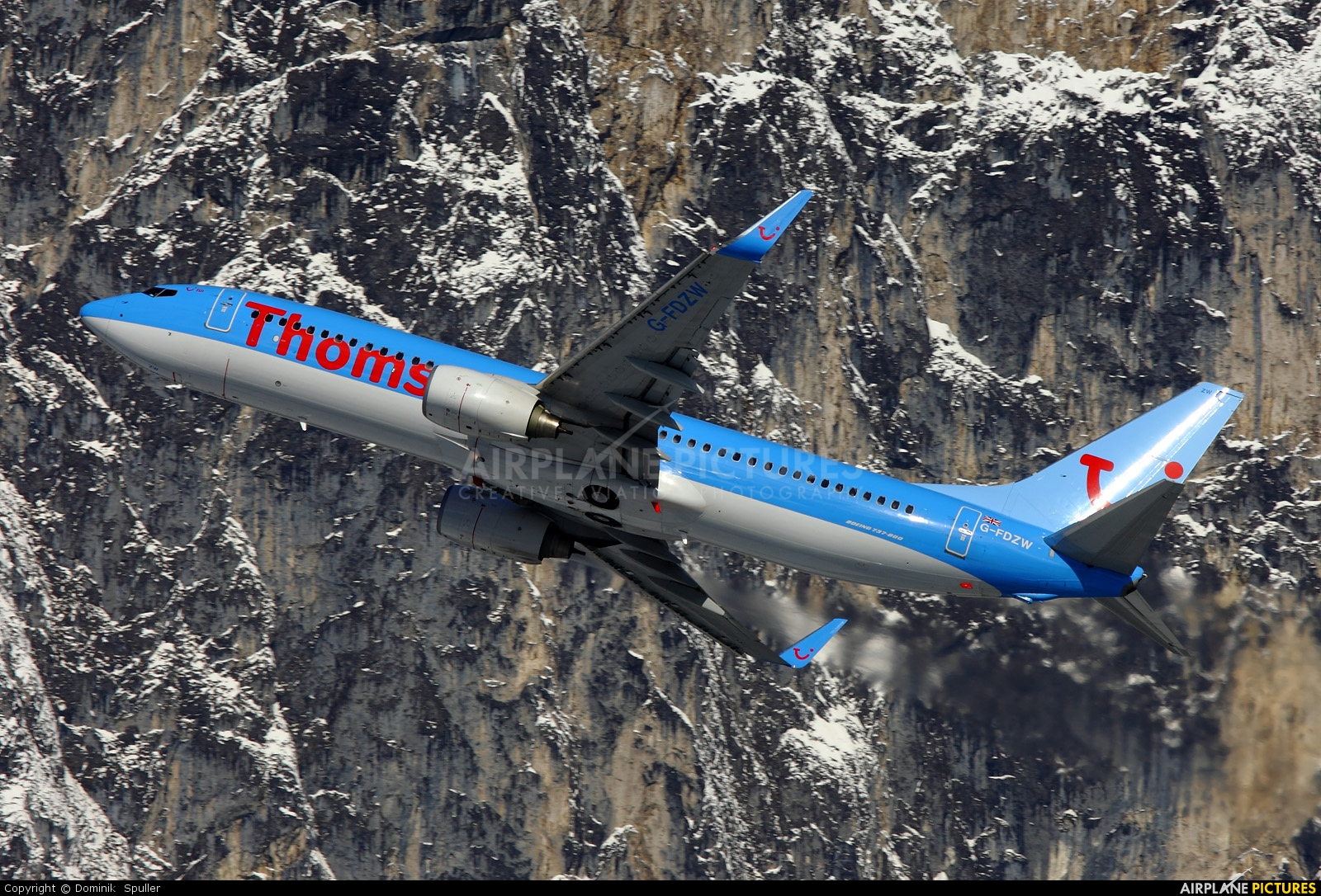 Thomson/Thomsonfly G-FDZW aircraft at Innsbruck