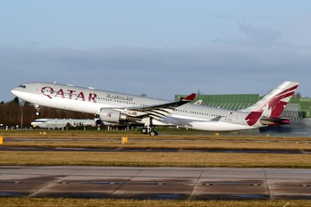 A7-AEN - Qatar Airways Airbus A330-300