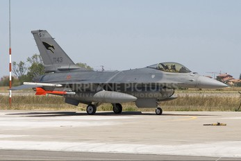 MM7243 - Italy - Air Force General Dynamics F-16A Fighting Falcon