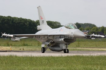 295 - Norway - Royal Norwegian Air Force General Dynamics F-16A Fighting Falcon
