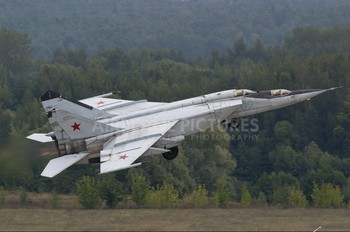 02 - Russia - Air Force Mikoyan-Gurevich MiG-25PU