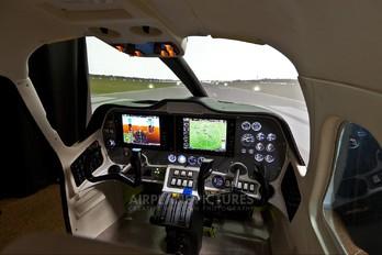 - - Simulator Tecnam P2006T