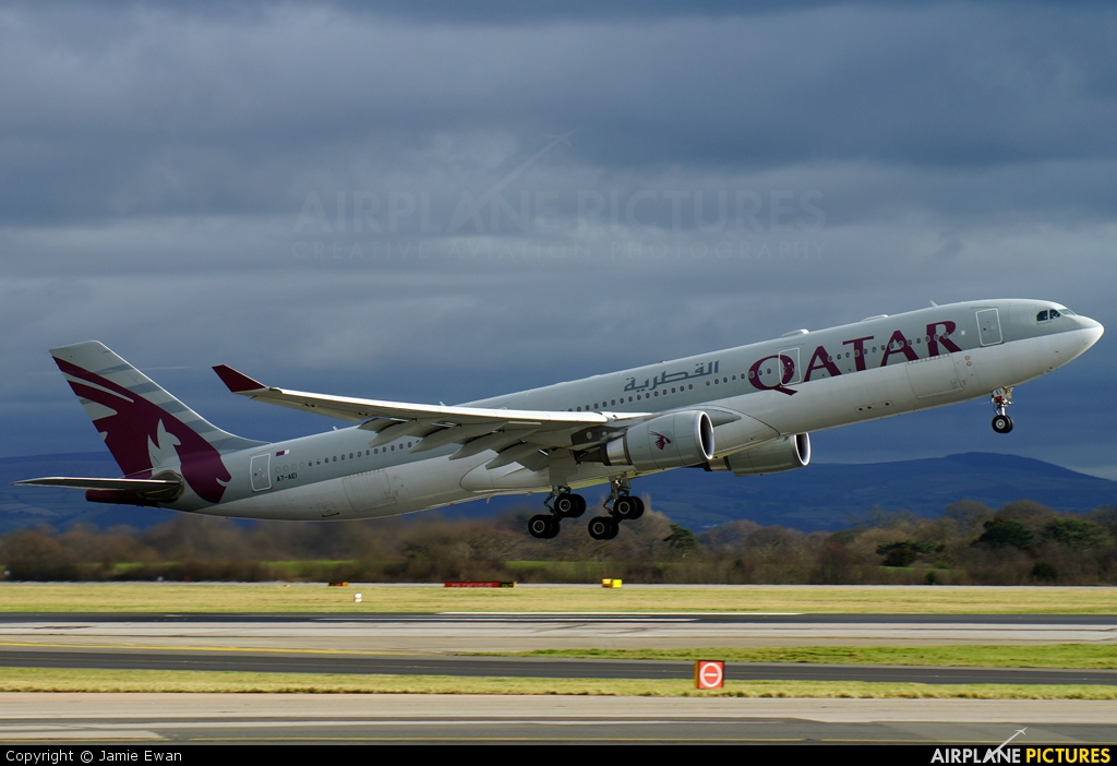 Qatar Airways A7-AEI aircraft at Manchester