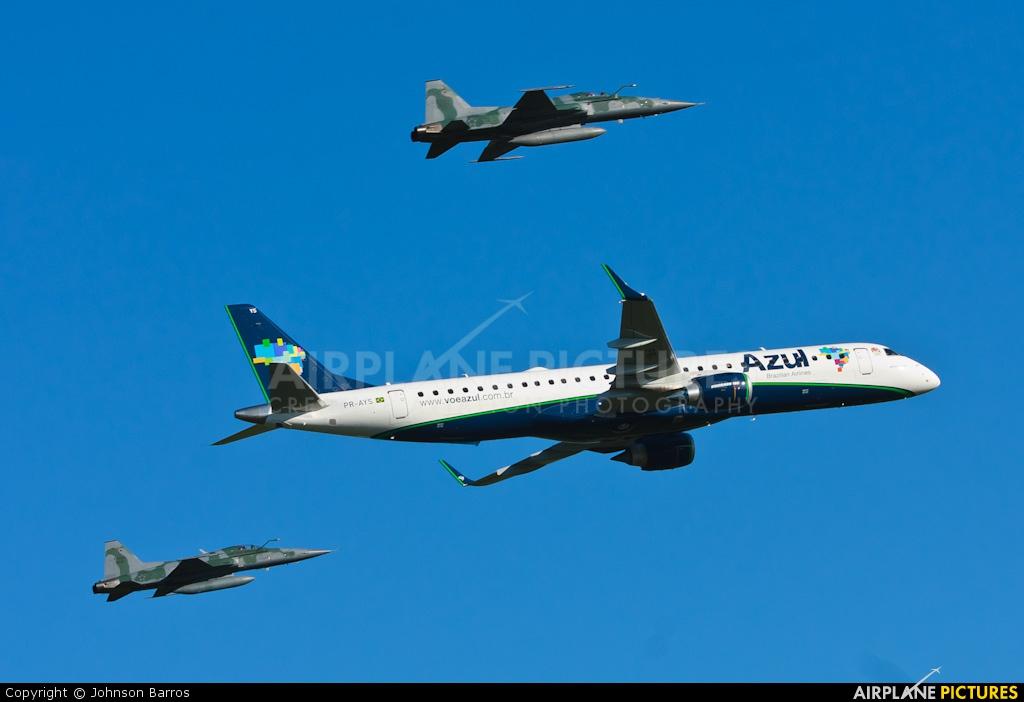 Azul Linhas Aéreas PR-AYS aircraft at In Flight - Brazil