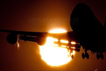 - - KLM Boeing 747-400ER