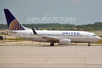 N24702 - United Airlines Boeing 737-700