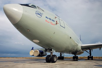 RA-96002 - Airstars Ilyushin Il-96