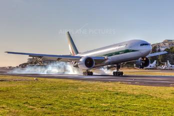 I-DISA - Alitalia Boeing 777-200ER