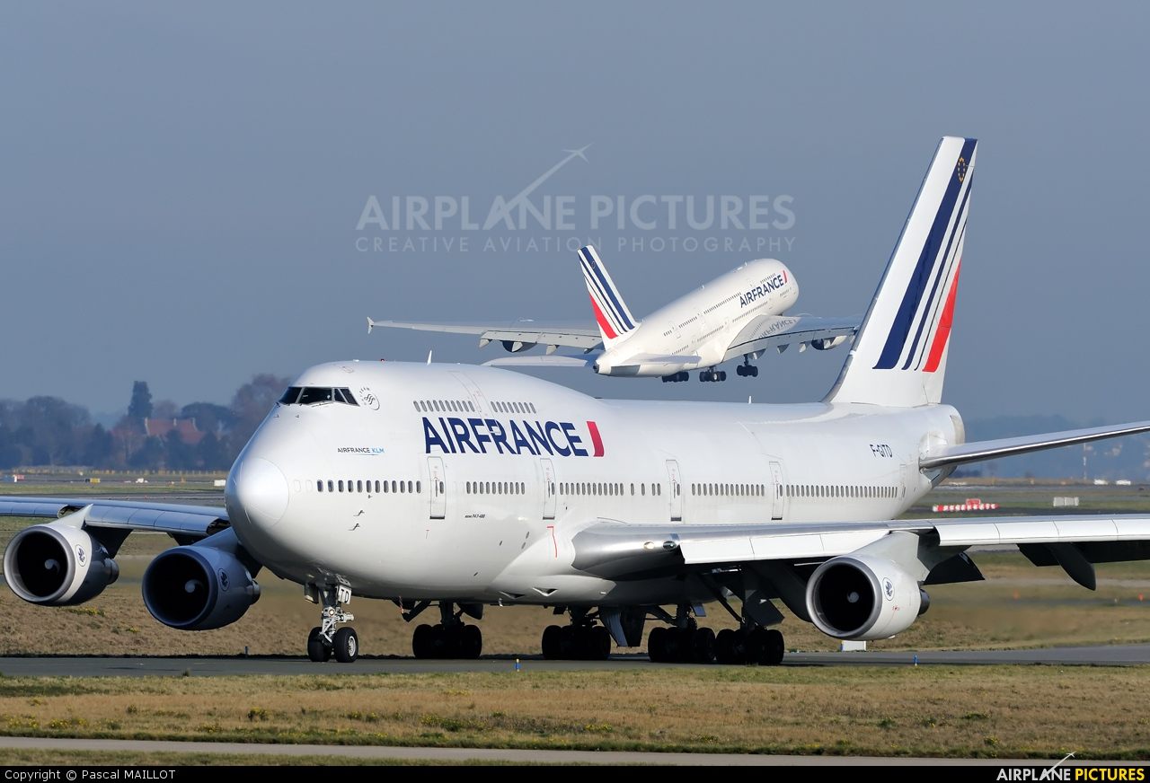 F gitd air france boeing 747 400 at paris charles de for Interieur 747 air france