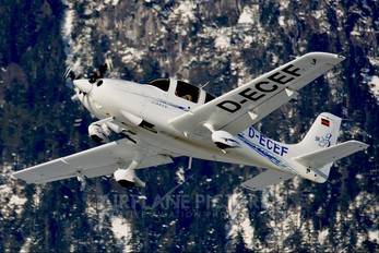 D-ECEF - Private Cirrus SR20