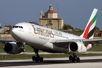 A6-EAD - Emirates Airlines Airbus A330-200