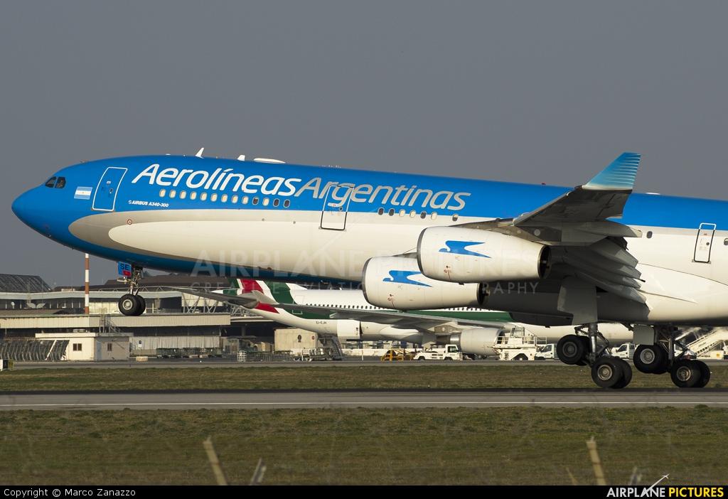 Aerolineas Argentinas LV-CSE aircraft at Rome - Fiumicino