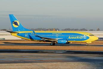 UR-DNJ - Aerosvit - Ukrainian Airlines Boeing 737-300