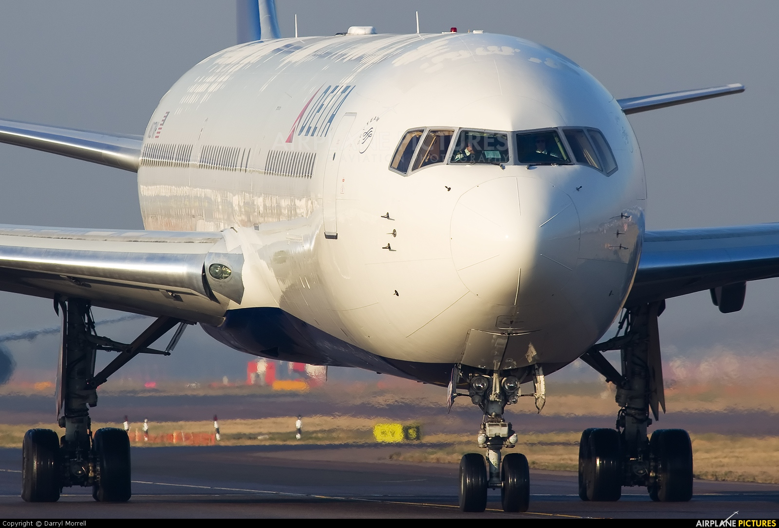 Delta Air Lines N827MH aircraft at London - Heathrow