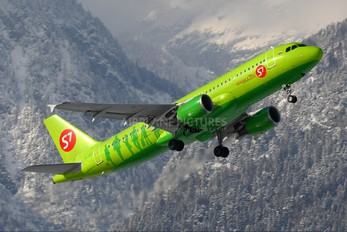 VQ-BES - S7 Airlines Airbus A320