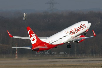 TZ-IZC - Air Berlin Turkey Boeing 737-800