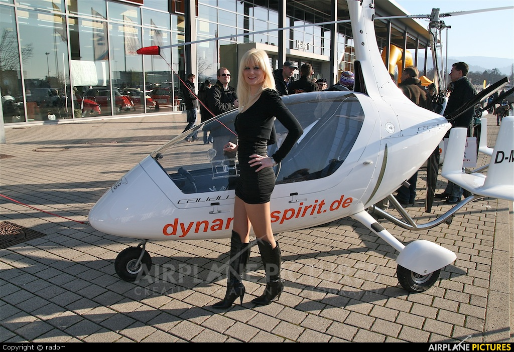 - Aviation Glamour - aircraft at Freiburg