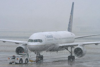 N58101 - Continental Airlines Boeing 757-200