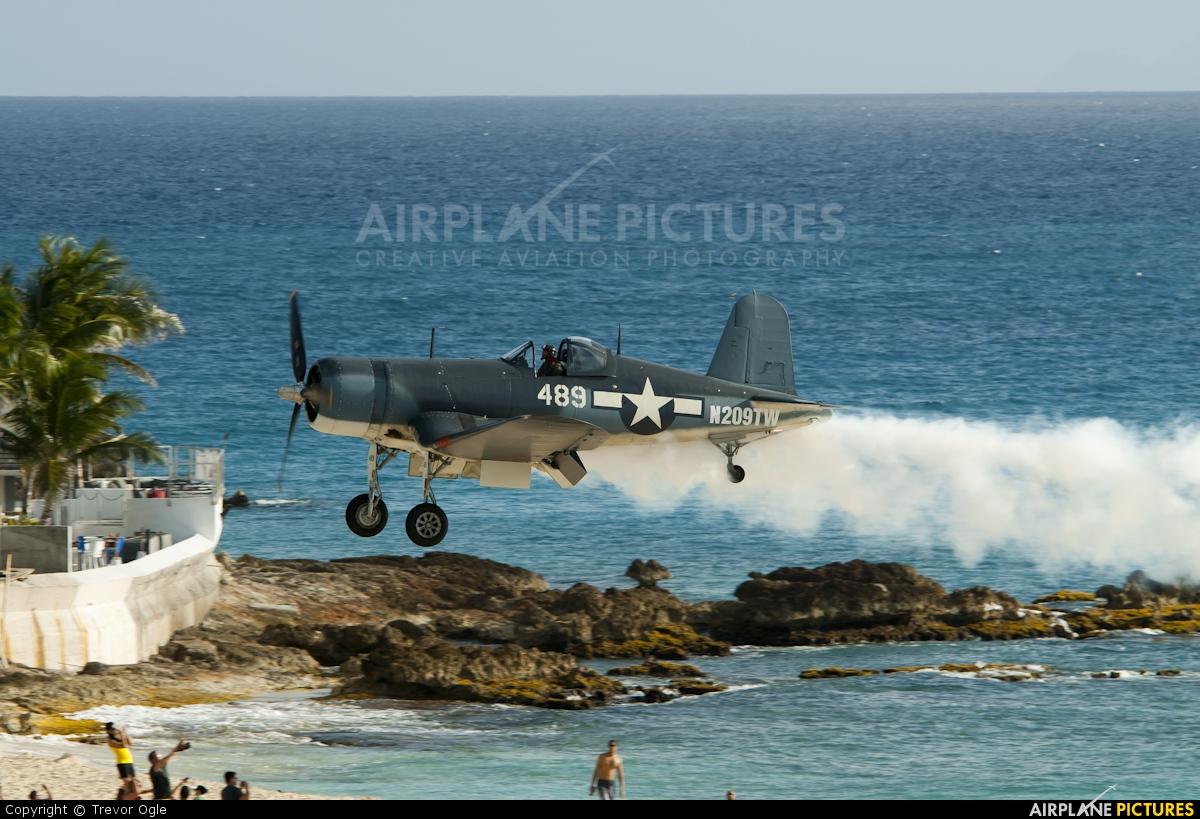 Private N209TW aircraft at Sint Maarten - Princess Juliana Intl