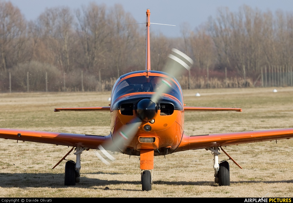 Private D-EMVC aircraft at Montagnana
