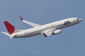 JA318J - JAL - Express Boeing 737-800