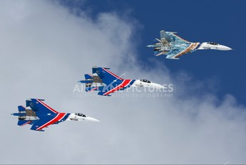 "04 - Russia - Air Force ""Russian Knights"" Sukhoi Su-27"