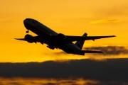 G-YMMG - British Airways Boeing 777-200 aircraft
