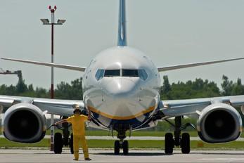 EI-DLT - Ryanair Boeing 737-800