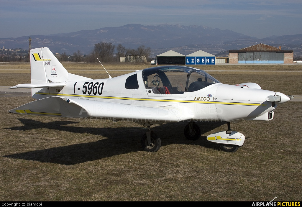 Private I-5960 aircraft at Verona - Boscomantico