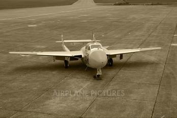 WZ590 - Royal Air Force de Havilland DH.115 Vampire T.11
