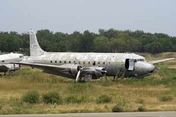 - - Air Tchad Douglas C-54B Skymaster