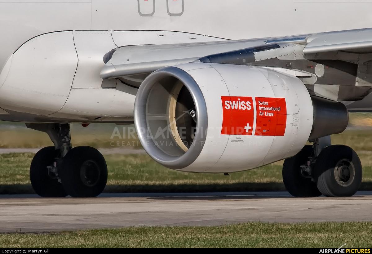 Swiss HB-JLQ aircraft at Manchester