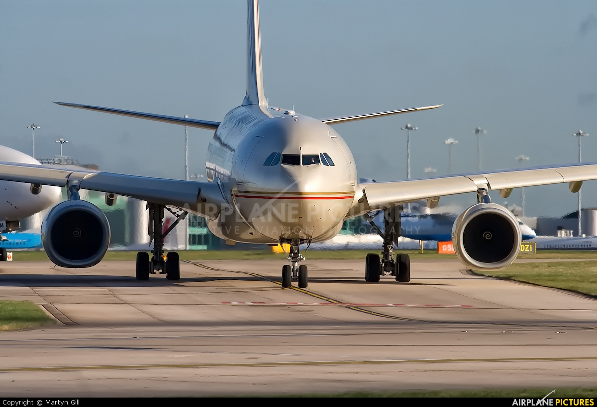 Etihad Airways A6-EYI aircraft at Manchester