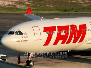 PT-MVB - TAM Airbus A330-200