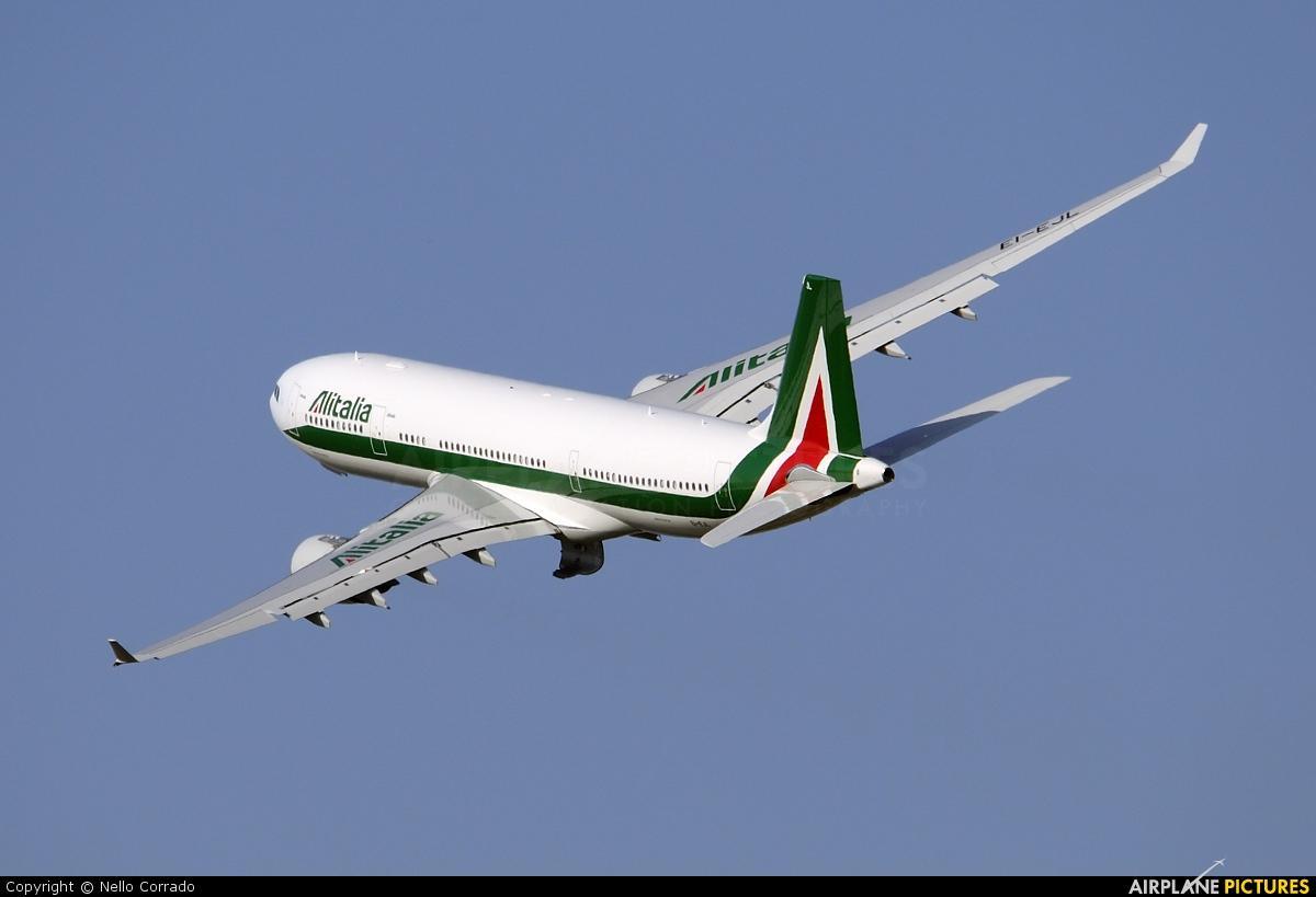 Jet Privato Alitalia : Ei ejl alitalia airbus a at rome fiumicino