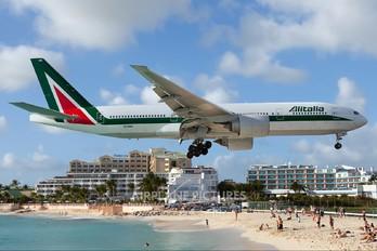 EI-DBK - Alitalia Boeing 777-200ER