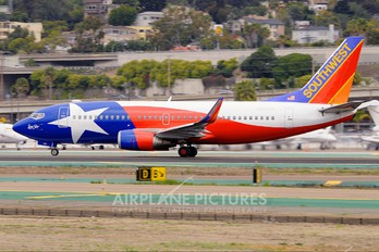 N352SW - Southwest Airlines Boeing 737-300