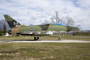 56-2927 - USA - Air Force North American F-100 Super Sabre