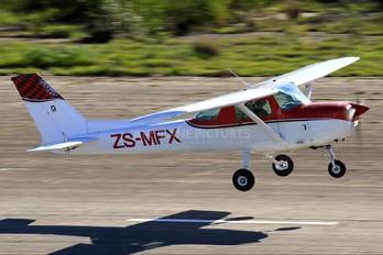 ZS-MFX - Private Cessna 150