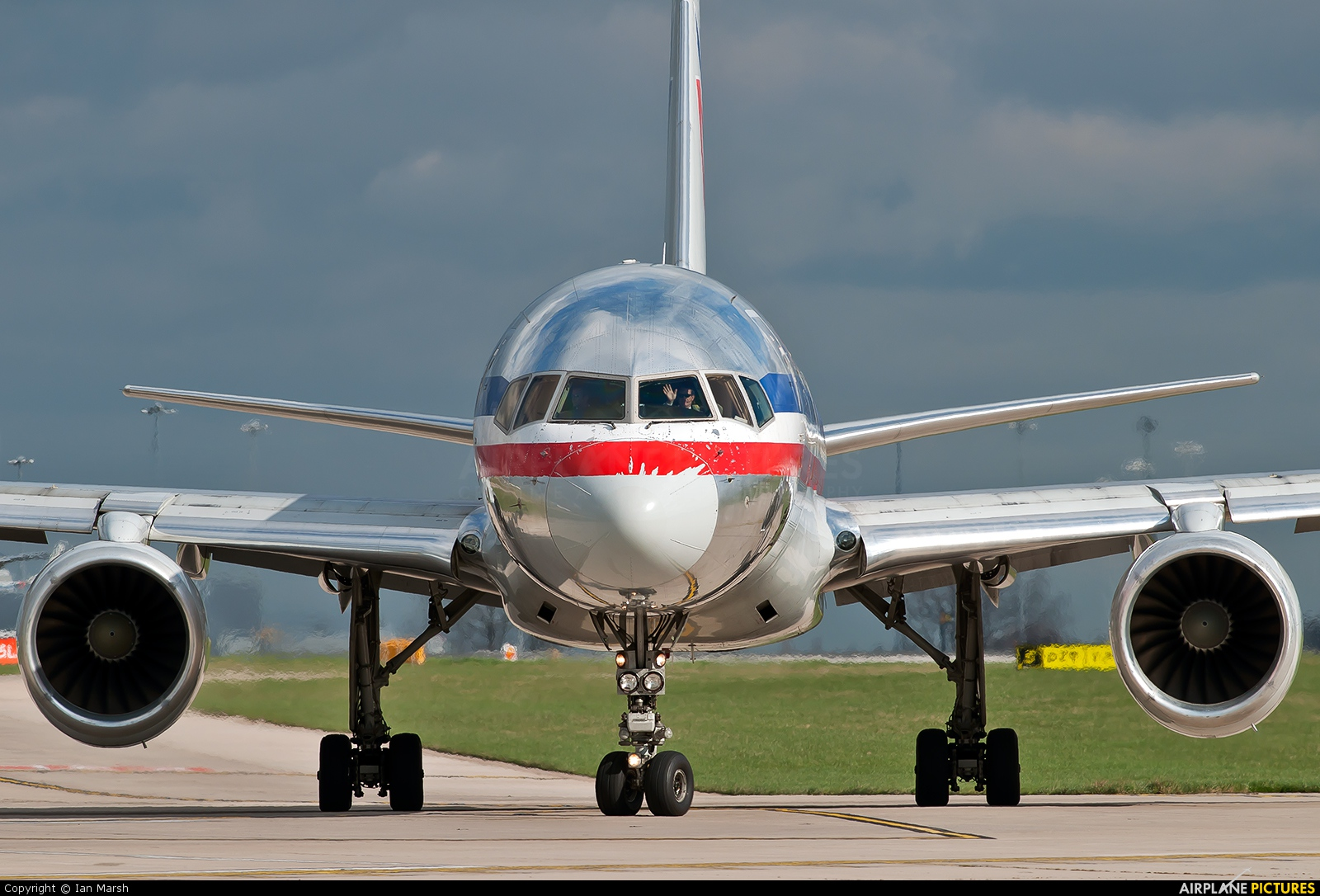 American Airlines N177AN aircraft at Manchester