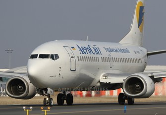 UR-VVR - Aerosvit - Ukrainian Airlines Boeing 737-300