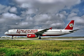 VT-KFY - Kingfisher Airlines Airbus A321