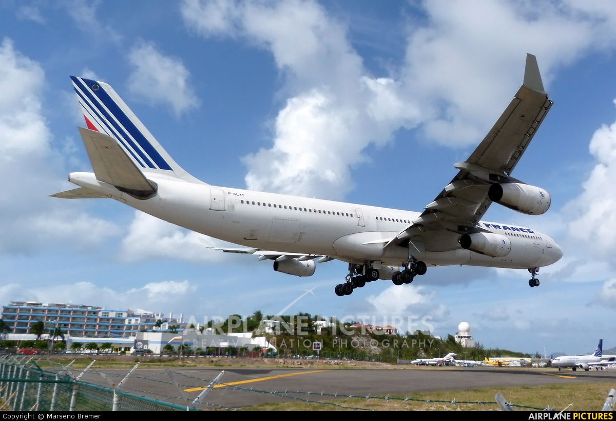 Air France F-GLZS aircraft at Sint Maarten - Princess Juliana Intl