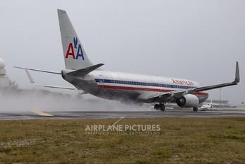 N814NN - American Airlines Boeing 737-800