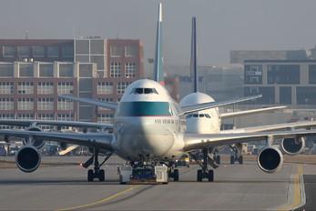 B-HUB - Cathay Pacific Boeing 747-400