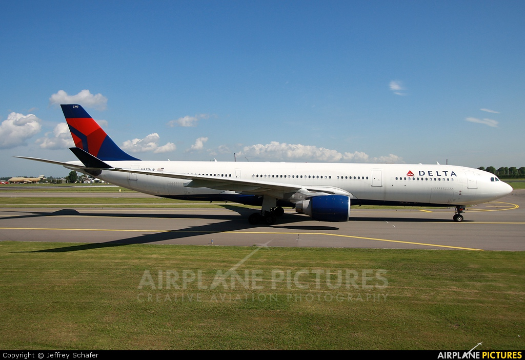 Delta Air Lines N812NW aircraft at Amsterdam - Schiphol