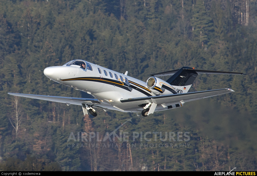 Private D-IJKP aircraft at Innsbruck