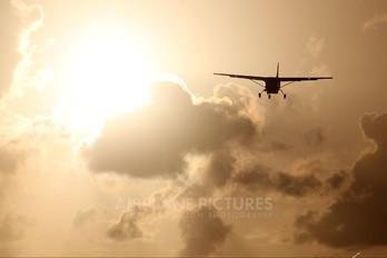 N910HL - DHL Cargo Cessna 208 Caravan
